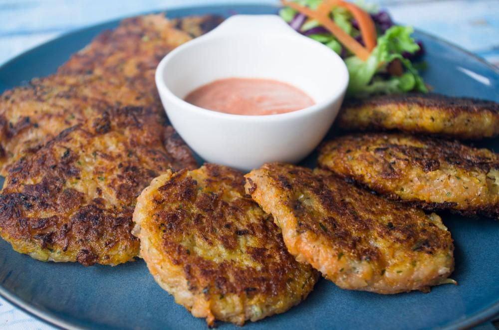 Kartoffel-Karotten-Laibchen sind vegan und schnell gemacht.
